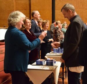 Dr. Sven Peine und sein Team bei der Verleihung