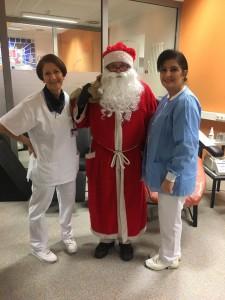 Weihnachtsmann besucht die Blutspende