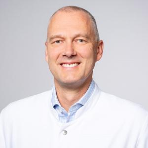Dr. Sven Peine, Leiter des Instituts für Transfusionsmedizin